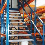 lagertechnik-breitfachregale-inneretreppenanlagefurlagerbuhne