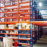 lagertechnik-lagerundkommisionierbuhnen-ubergabestationmitschwenkgelander